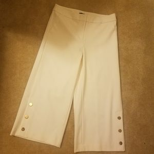 Loft wide leg cropped pants cream off white size 8